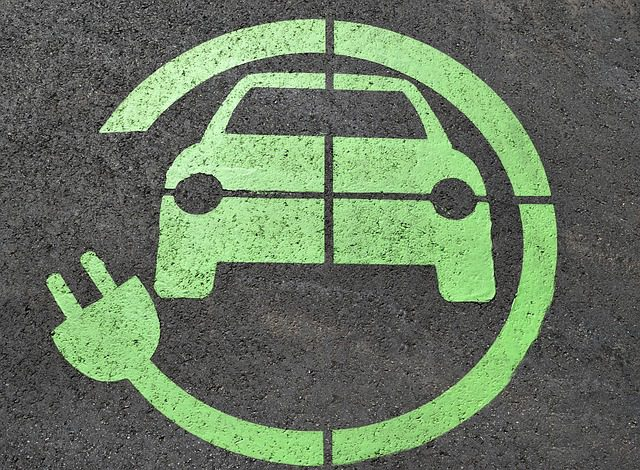 How Does the Electric Vehicle Tax Credit Work